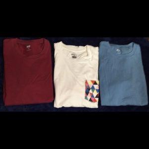 3 Mens UNIQLO T-shirts
